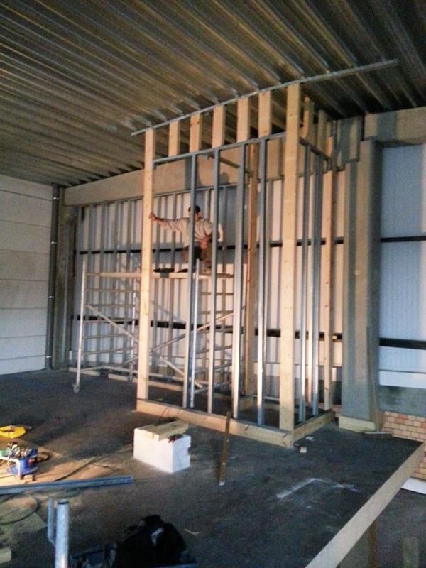 am nagement d un hangar industriel az construction. Black Bedroom Furniture Sets. Home Design Ideas