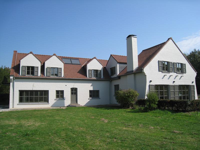 Rénovation d'une villa à la toiture exceptionnelle