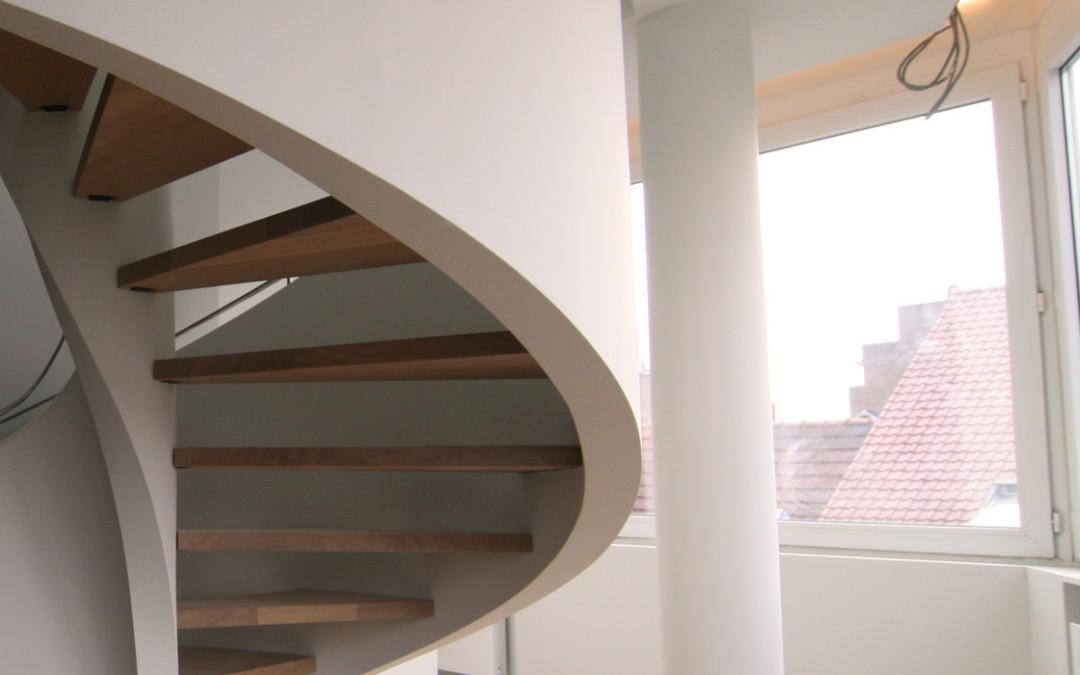 Rénovation d'un duplex avec pose d'un escalier en colimaçon